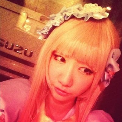 【AKB48】柏木由紀(21) 金髪ヘア公開もファン賛否wwww 極抜き管理人的には金髪でww