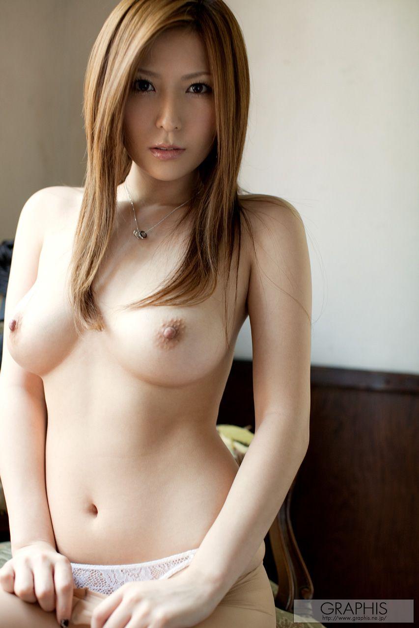 Юный с огромной грудью 24 фотография