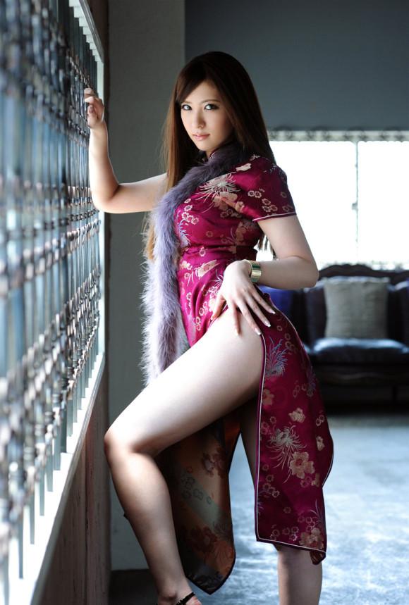 今夜は中華料理を食べに行こう!エロ過ぎるチャイナドレスのお姉さんのキャプ画像まとめ