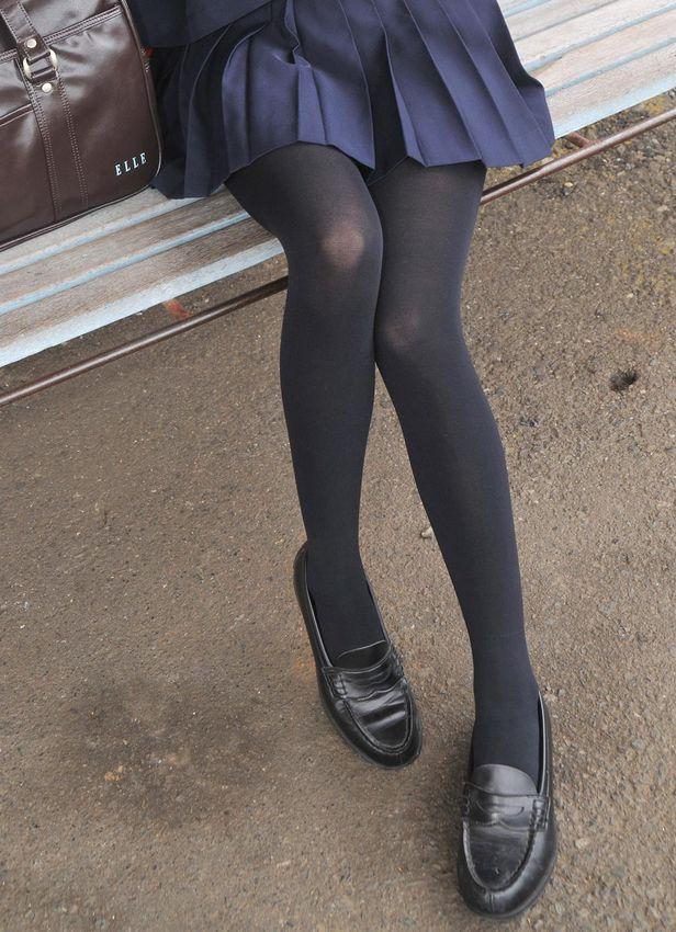 【10代小娘】黒タイツって一番エロいよなwww