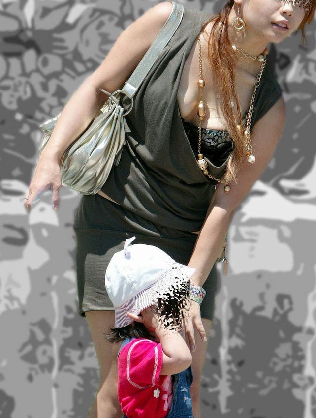 旦那に嫉妬…!子連れ妻の着衣巨乳がエロ過ぎて裏山wwwwwww(素人盗撮画像あり)