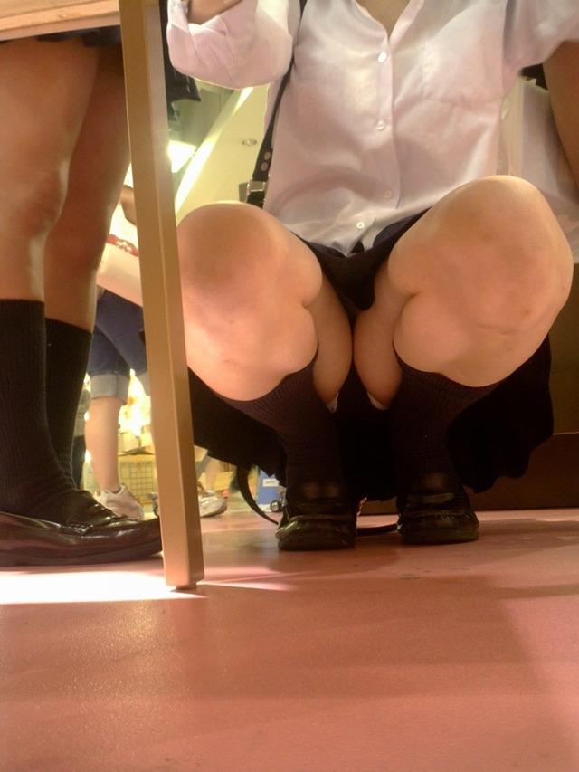 成長途中の女子中学生が老舗盗撮メーカーから流出の画像