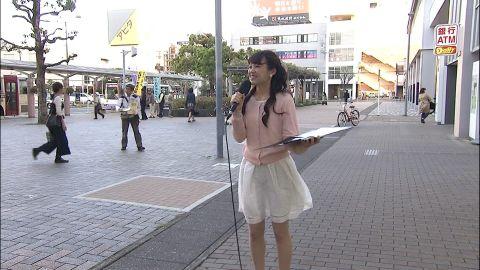 静岡女性レポーター、白スカートがモロ透け事故!「マン毛らしきブツがw」「痴女だろ」