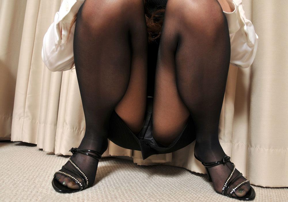 黒タイツはいたふともも最高www すりすり頬ずりしてえwwww