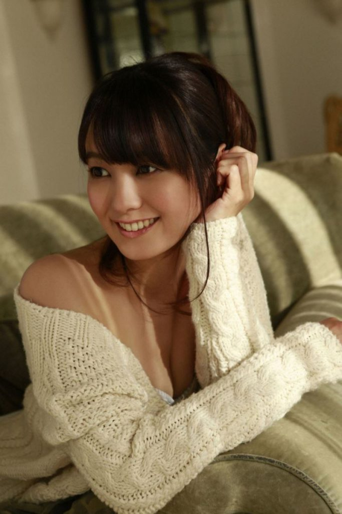 【グラビア】グラドル・安枝瞳(27)の美しすぎる尻wwwwこれは