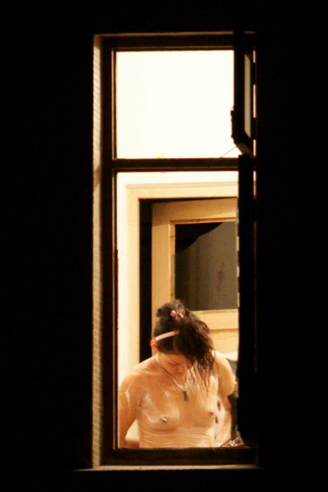 【削除注意】女子大生宅の盗撮画像が過激すぎるwwwwww(画像あり)