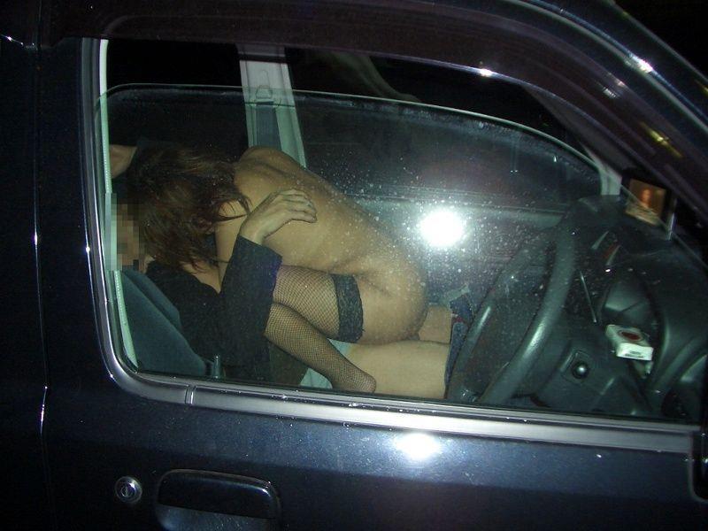 カーセックスって最高!不倫って意外と車で楽しむことが多いよな
