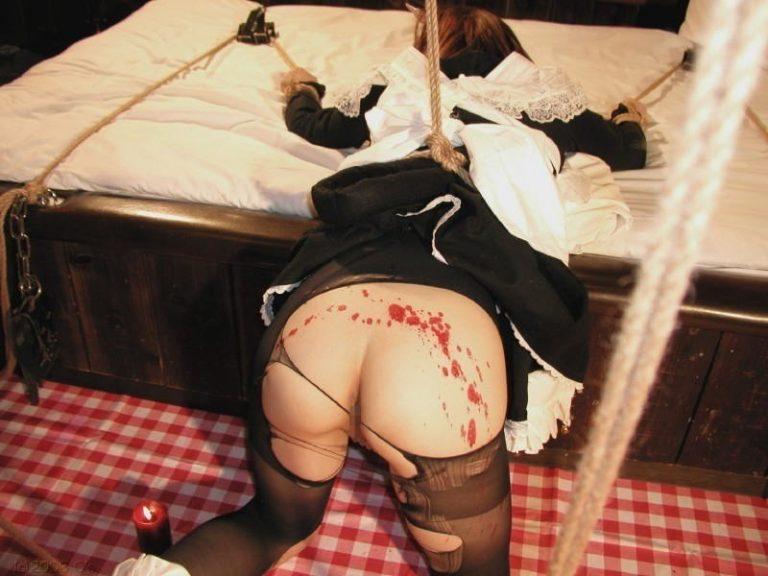 ロウソク責め!女体に蝋を垂らすSMプレイがエロすぎwww
