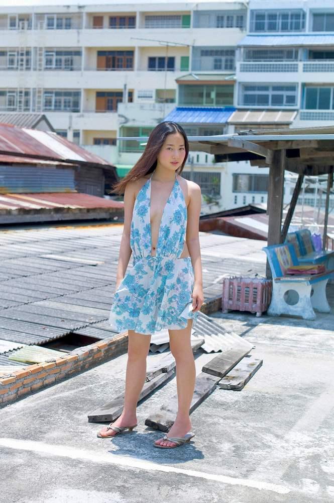 日テレニック2011のグラビアアイドルの横乳も競泳水着もビキニ姿も!