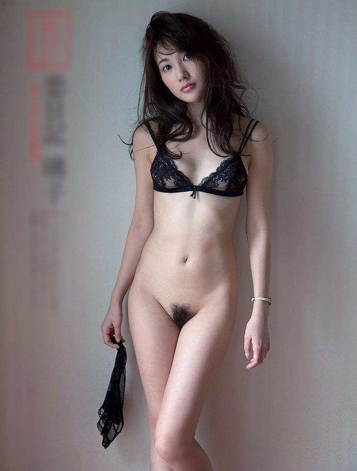秋田県生まれの謎すぎる芸能人の素っ裸が艶っぽくてエロいwwwwww