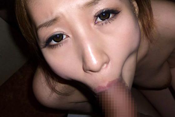 スケベな顔でフェラ抜きしてくれる女のエロ画像30枚