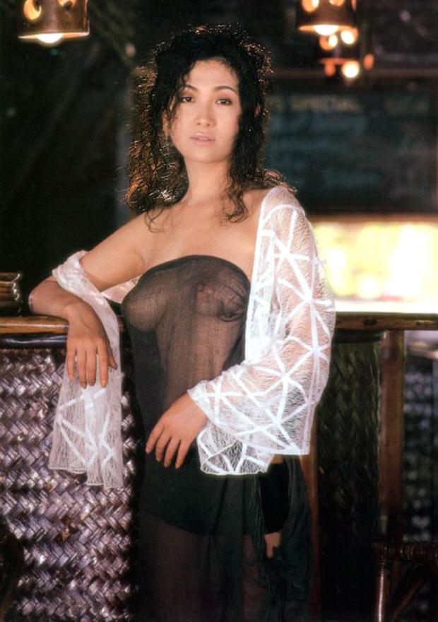 巨乳女優さんの若かりしヌードや乳首勃起のセックスシーンがエロいwww