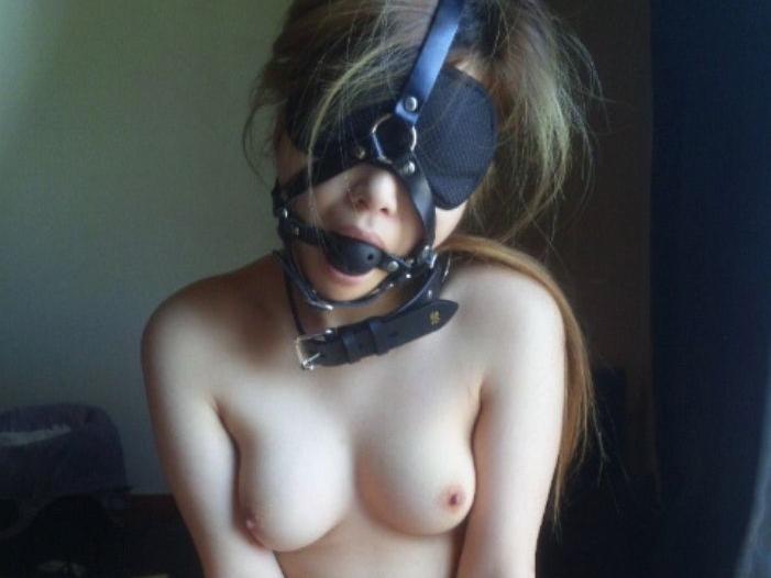 SM拘束、緊縛、目隠しされてるドM女のエロ画像18枚