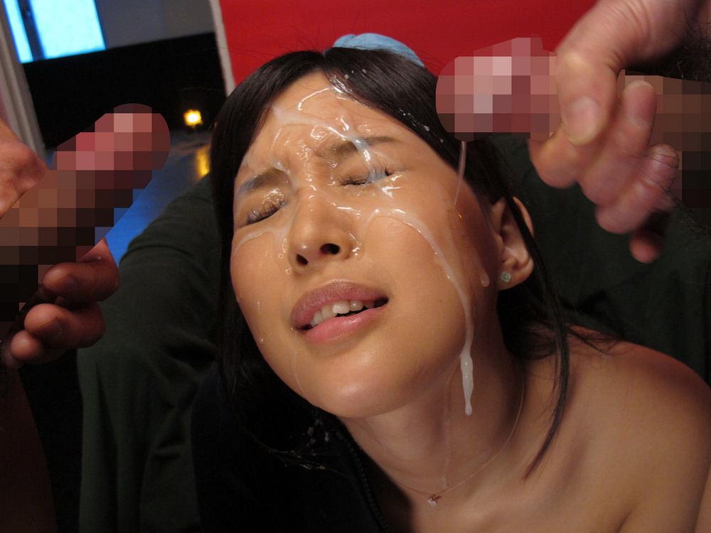 顔射ぶっかけでザーメンまみれの女のエロ画像26枚