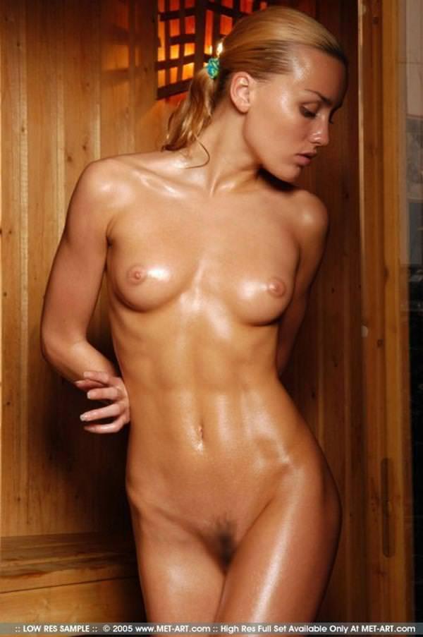 マッチョボディの外国人女性のヌードエロ画像27枚
