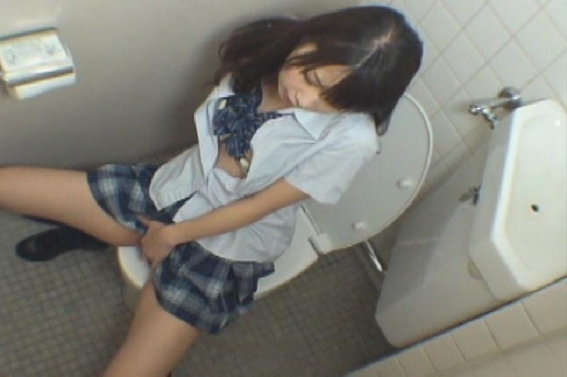 学校内でオナニーしちゃう女子高生のエロ画像30枚