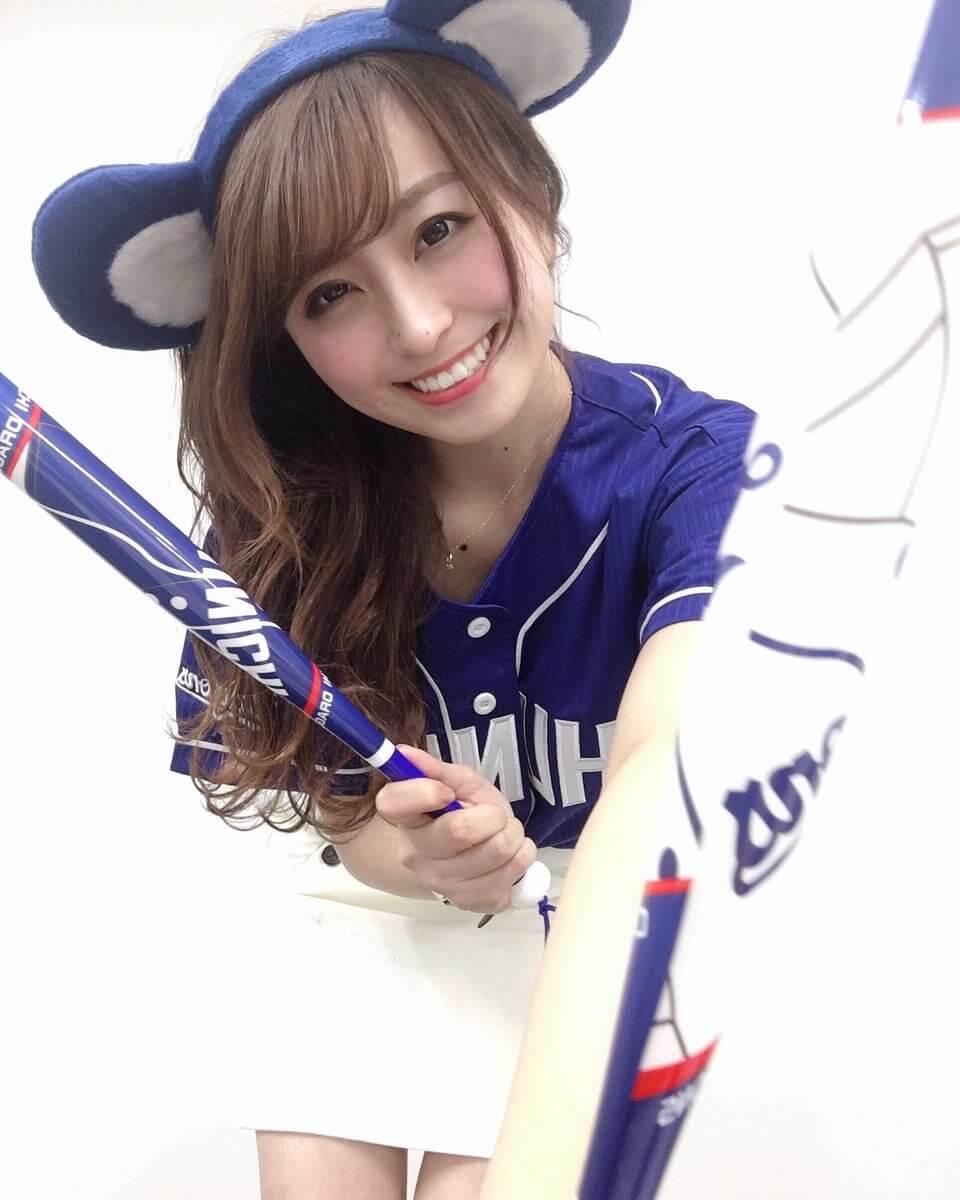 元SKEの中村優花が「日本一美しい女子大生」グランプリに選ばれたので記念エロ画像